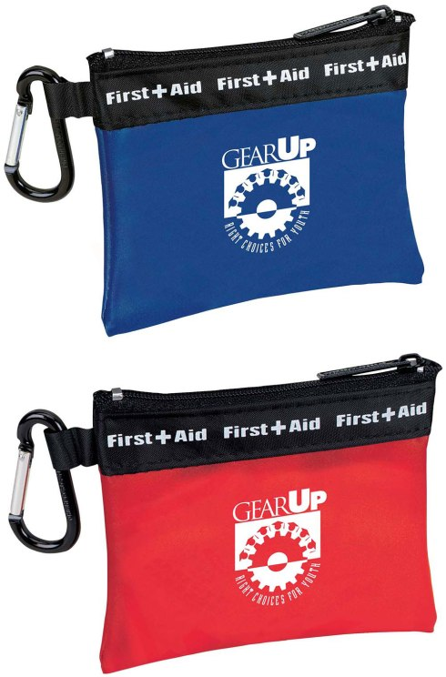This convenient first aid kit comes complete with a handy carabiner, so it can travel with you wherever you go. Frosty first aid bag with carabiner attached. Latex-free bandages.